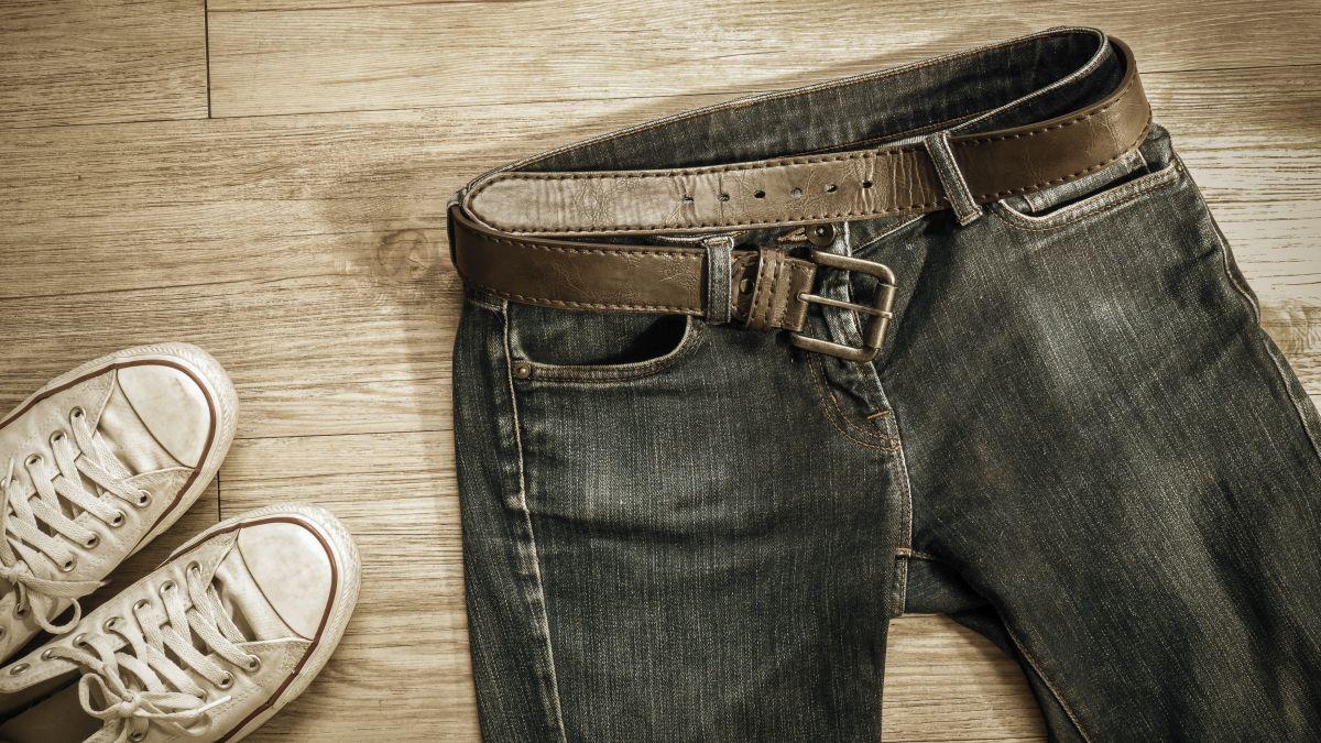 Jaki pasek dobrać do spodni jeansowych?