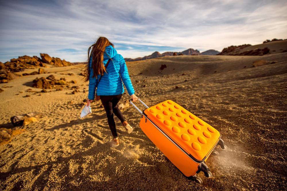 Jaka walizka – twarda czy miękka?
