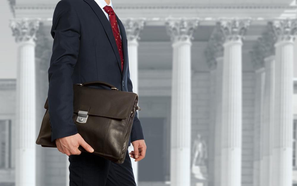 Wskazówki stylowego mężczyzny – kolor teczki jest istotny!